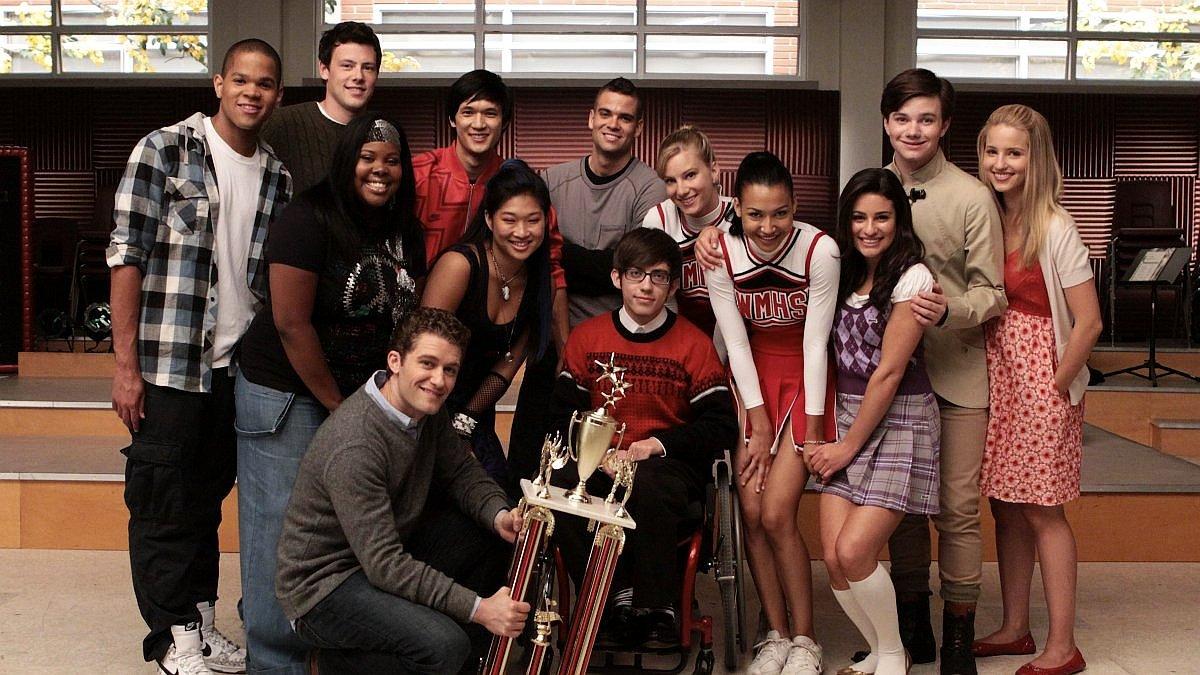 Glee club coraz mniejszy